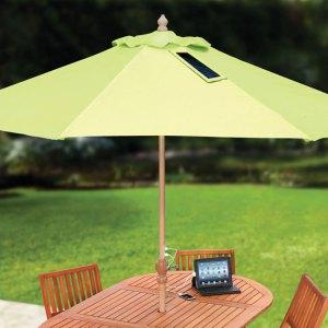 Sombrilla con paneles solares