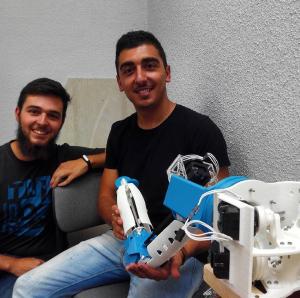 Álvaro and Javier with the Arm V3