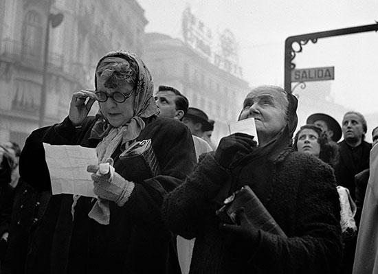 Esperando el Gordo. Puerta del Sol. Madrid-1952