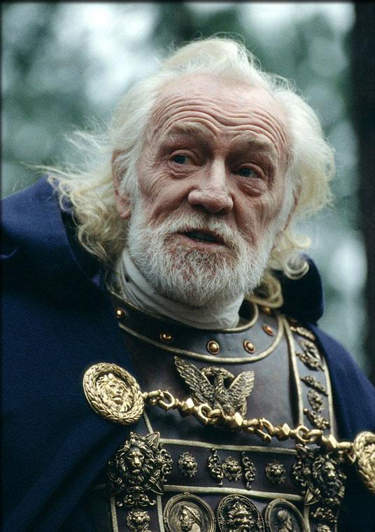 Marco Aurelio interpretado por Richard Harris en la película Gladiator