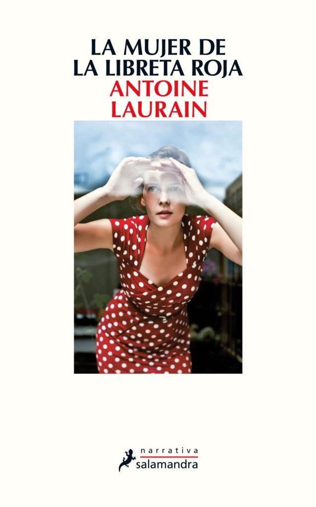 Cubierta de La mujer de la libreta roja, Antoine Laurain